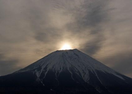 富士山にまつわる都市伝説!樹海の秘密や知られざる村など…