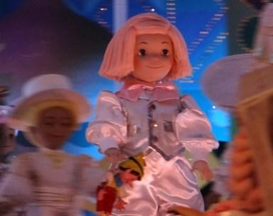 イッツアスモールワールド都市伝説!呪われた人形に隠された恐怖…