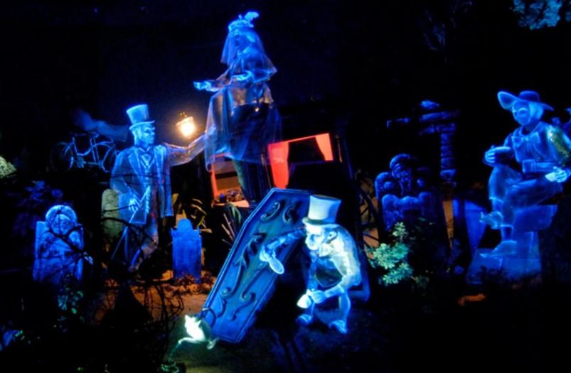 ディズニーにまつわる都市伝説!夢の国で見る悪夢や裏話9選