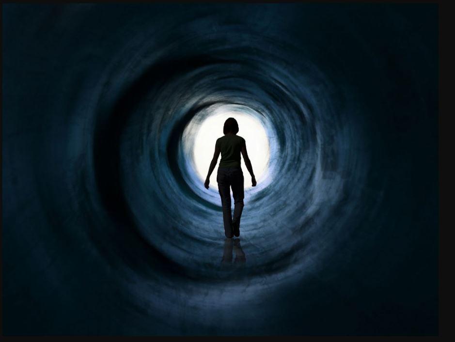 臨死体験の先に待つものとは?臨死体験3つの仮説