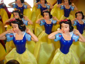 グリム童話が怖いってホント?シンデレラと白雪姫の都市伝説